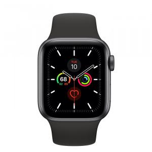 Apple Watch Series 5 • GPS • 40mm pouzdro z vesmírně šedého hliníku • Černý sportovní řemínek – S/M a M/L